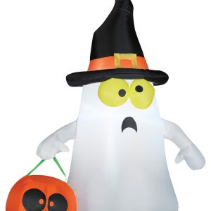 Outdoor Ghost with Witch Hat